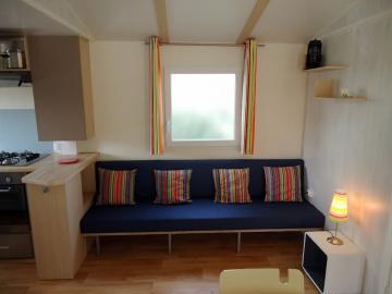 Camping les Grissotières location Mobil home Francis Drake salon