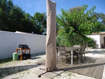 Camping les Grissotières location maison Oléronaise  grande cour