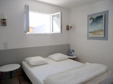 Camping les Grissotières location maison Oléronaise  chambre 1 un lit 140/190