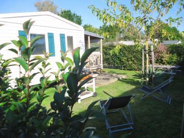 Location mobil home Camping Grissotières jardin