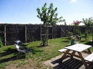 Gran jardín de primera calidad Camping Les Grissotières