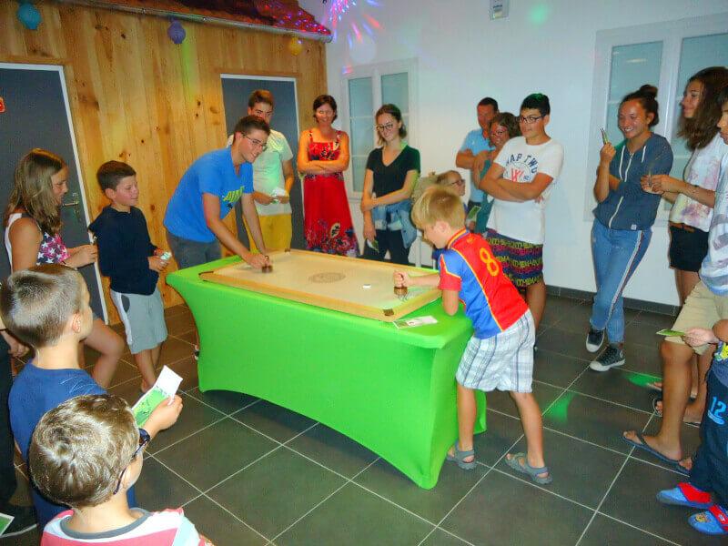 Campsite Les Grissotieres île d' oléron animation wooden games